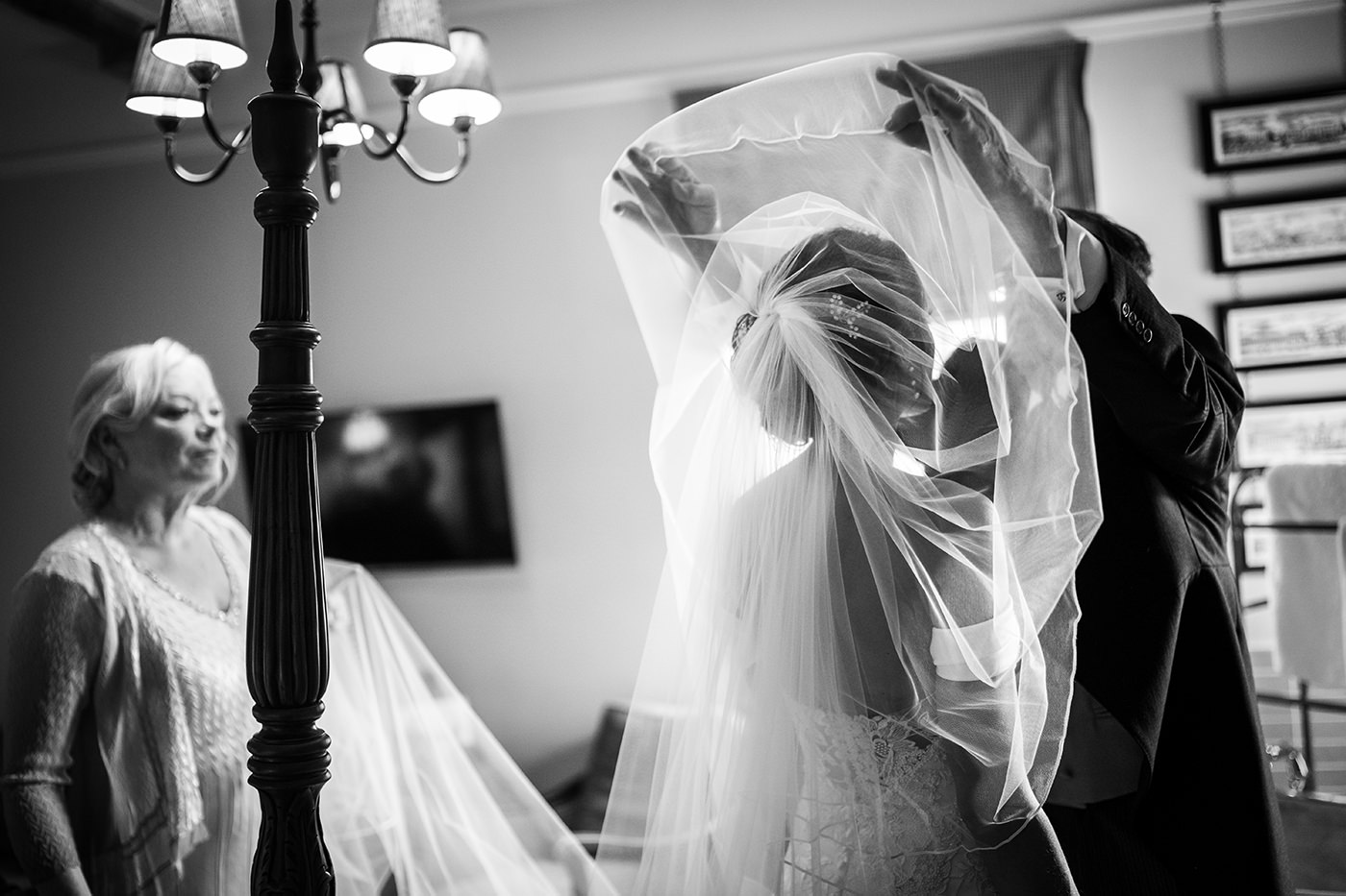 Stunning Light Wedding Veil and Father of the Bride Reportage Photographer