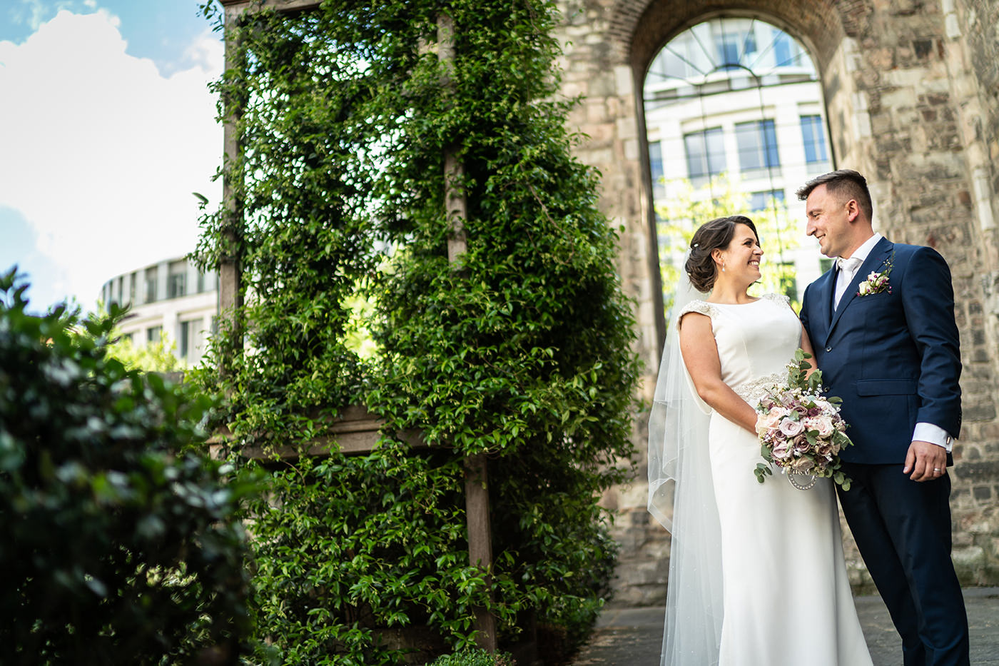 Greyfriars Church Garden Wedding Photos